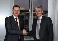 Slavnostní uzavření smlouvy o sdílení 3G sítě